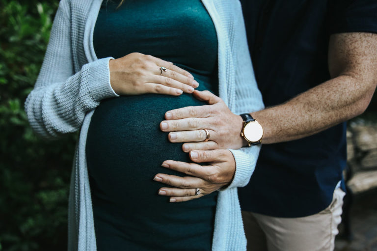 Alison-Peter-Maternity-Pittock-Mansion-Portland-Oregon-Meg-Ross-Photography